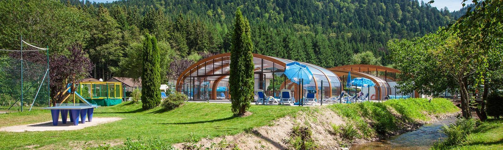 Camping verte vall e piscine chauff e lac dans les vosges - Camping gerardmer piscine couverte ...